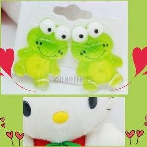 Brand new! Cute Kawaii Frogs Earrings